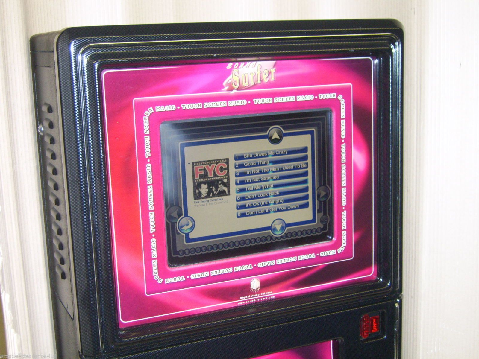 Wall Mounted Touchscreen Digital Mp3 Jukebox Home Use
